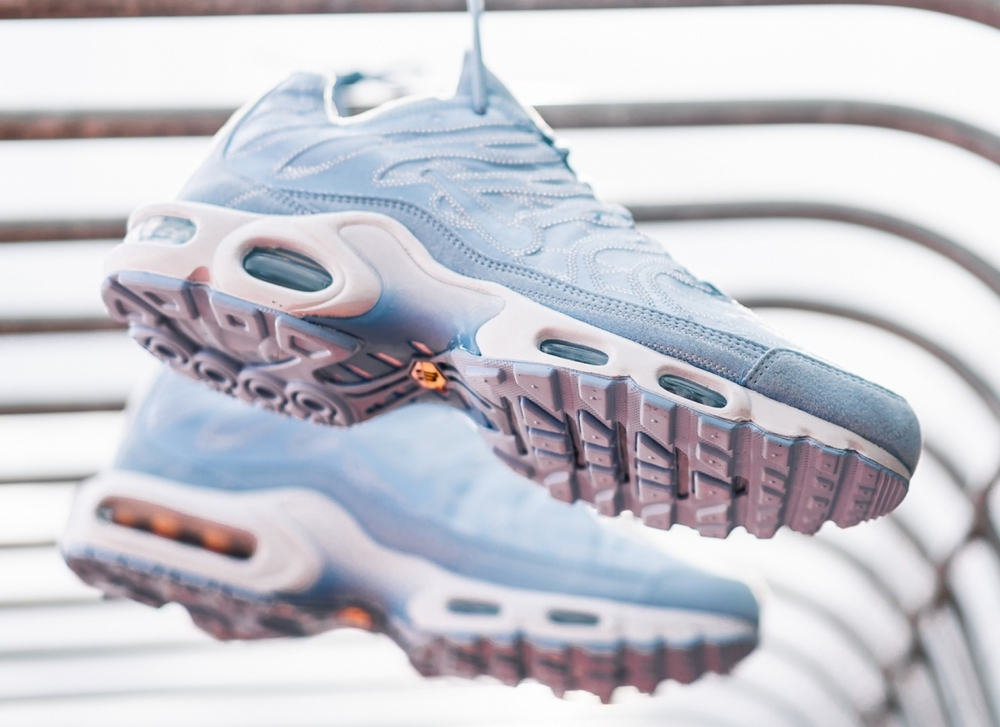 nike-air-max-plus-deconstructed-psychic-blue-cd0882-400-mood-3.jpg