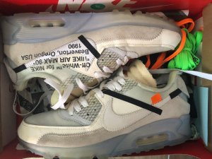 How to Spot Fake Nike Air Max 90's Snapguide